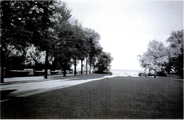 Front-Lawn-and-view-to-Lake-St.-Clair