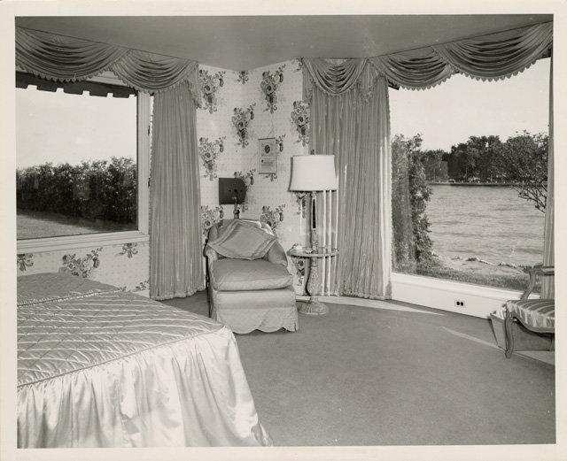 824 Bedroom Sm