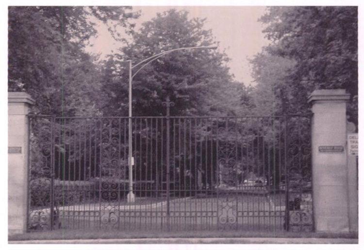 Beverly Road Gates 2