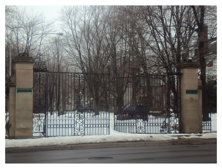 Beverly Road Gates 3a