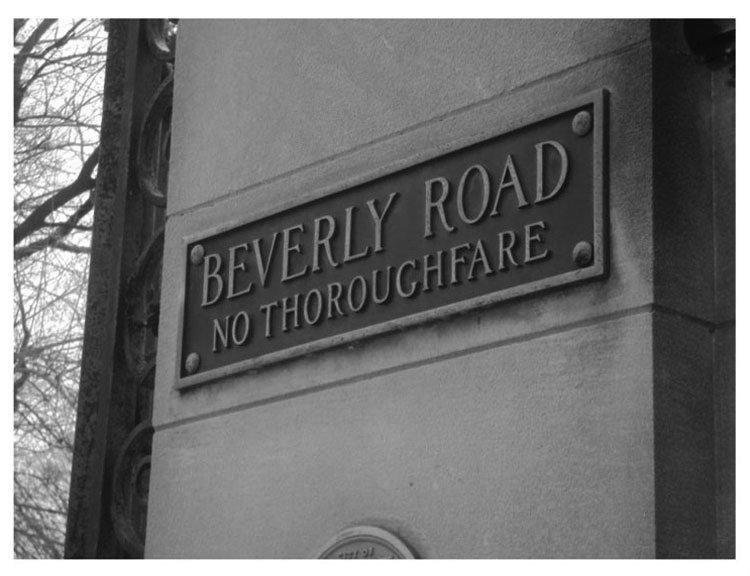 Beverly Road Gates BW